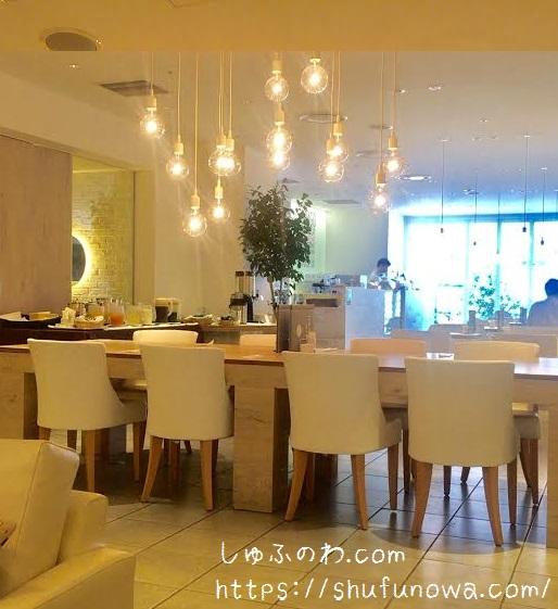 tobaco cafe&bar店内
